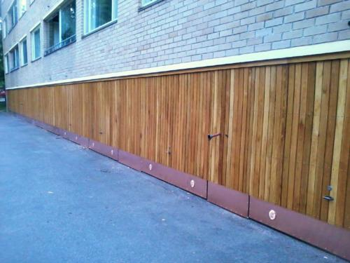 Autotallien ovien uudelleen panelointi